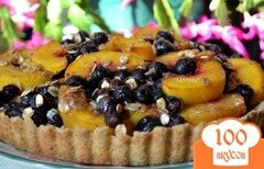 Фото рецепта: «Тарт с голубикой и персиками»