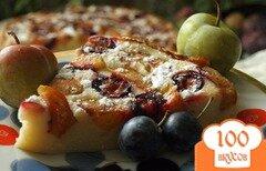 Фото рецепта: «Нежный сырно-сливовый пирог»