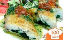 Фото рецепта: «Рыба, фаршированная шпинатом, с горчичным соусом»