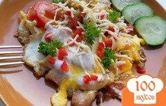Фото рецепта: «Яичница со свининой и помидорами»