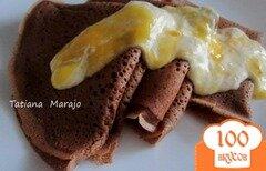 Фото рецепта: «Шоколадные блины со сметанно-манговым соусом»
