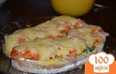 Фото рецепта: «Горячий бутерброд с корейской морковкой»