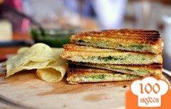 Фото рецепта: «Бутерброд с песто из свежих трав»