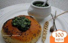 Фото рецепта: «Булочки с чесночно-шпинатной серединкой»