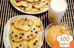 Фото рецепта: «Оладьи с фруктами на кукурузной муке»