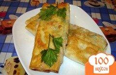 Фото рецепта: «Лаваш с сыром и колбасой на сковороде»