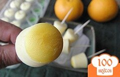 Фото рецепта: «Апельсиново-ванильные конфеты из йогурта и без сахара»