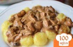 Фото рецепта: «Курица в соусе из лисичек»