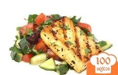 Фото рецепта: «Обжаренный тофу со средиземноморским салатом»