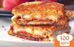 Фото рецепта: «Сэндвич с сыром и беконом»