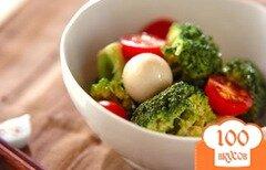 Фото рецепта: «Салат из брокколи с перепелиным яйцом»