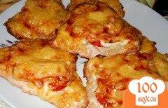 Фото рецепта: «Индейка запеченная с ананасами под сырной корочкой»