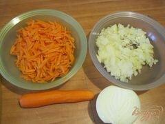 «Капуста тушеная с сосисками» - приготовления блюда - шаг 1