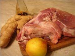 «Томленая свинина с имбирем и яблоками!» - приготовления блюда - шаг 1