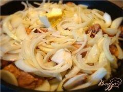 «Томленая свинина с имбирем и яблоками!» - приготовления блюда - шаг 2