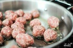«Салат с фрикадельками» - приготовления блюда - шаг 1