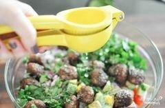 «Салат с фрикадельками» - приготовления блюда - шаг 5