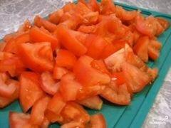 «Греческий салат с орехами» - приготовления блюда - шаг 3