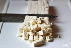 «Греческий салат с орехами» - приготовления блюда - шаг 6