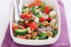 «Греческий салат с орехами» - приготовления блюда - шаг 8