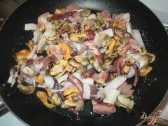 «Соус из морского коктейля к спагетти» - приготовления блюда - шаг 3