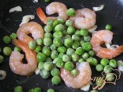 «Фунчоза с креветками и зеленым горошком» - приготовления блюда - шаг 4