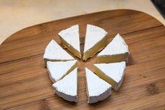 «Жареный сыр камамбер» - приготовления блюда - шаг 1