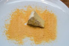 «Жареный сыр камамбер» - приготовления блюда - шаг 3