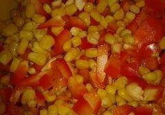 «Куриная грудка под перцем и кукурузой» - приготовления блюда - шаг 2