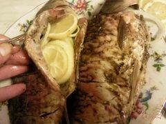 «Караси с лимоном и луком» - приготовления блюда - шаг 2
