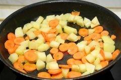 «Курица в горшочках с овощами» - приготовления блюда - шаг 8