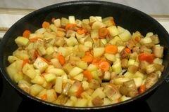 «Курица в горшочках с овощами» - приготовления блюда - шаг 9