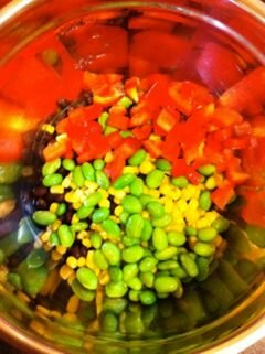 """«""""Мексиканское конфетти"""" (салат из крупы квиноя)» - приготовления блюда - шаг 3"""