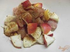 «Куриное филе в рукаве с яблоками» - приготовления блюда - шаг 4