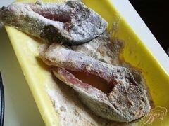 «Жареный карп в панировке.» - приготовления блюда - шаг 4