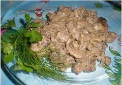 «Куриная печень с грибами под сметанным соусом» - приготовления блюда - шаг 6