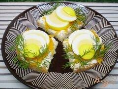«Канапе с двумя видами сыра и маринованными яйцами» - приготовления блюда - шаг 8
