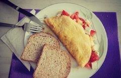 «Омлет с белым турецким классическим сыром и помидорами» - приготовления блюда - шаг 6