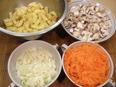«Суп гречневый с грибами» - приготовления блюда - шаг 2