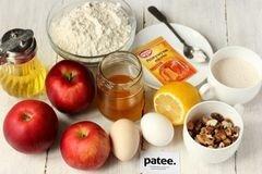 «Медовый пирог с орехами и яблоками» - приготовления блюда - шаг 1