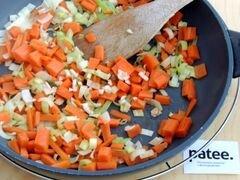 «Красный борщ с фасолью и савойской капустой» - приготовления блюда - шаг 6