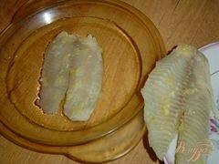«Рыба, запеченная с чесноком и луком» - приготовления блюда - шаг 3