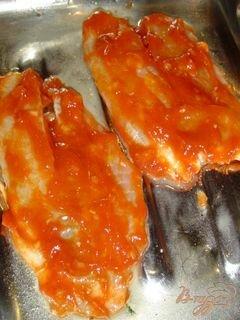 «Рыба, запеченная с чесноком и луком» - приготовления блюда - шаг 4