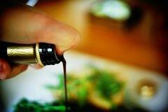 «Горячие бутерброды с тунцом, помидорами и козьим сыром» - приготовления блюда - шаг 6