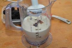 «Творожный десерт с ежевикой» - приготовления блюда - шаг 2
