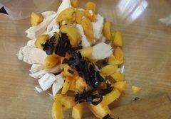 «Овощной салат с абрикосами» - приготовления блюда - шаг 2