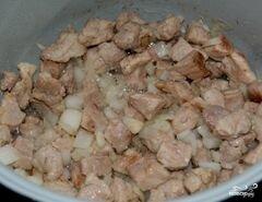 «Мясо с черносливом в мультиварке» - приготовления блюда - шаг 4