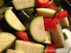 «Бутерброды с колбасой и овощами» - приготовления блюда - шаг 4