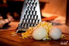 «Крабовый салат с фасолью» - приготовления блюда - шаг 2