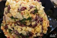 «Крабовый салат с фасолью» - приготовления блюда - шаг 6